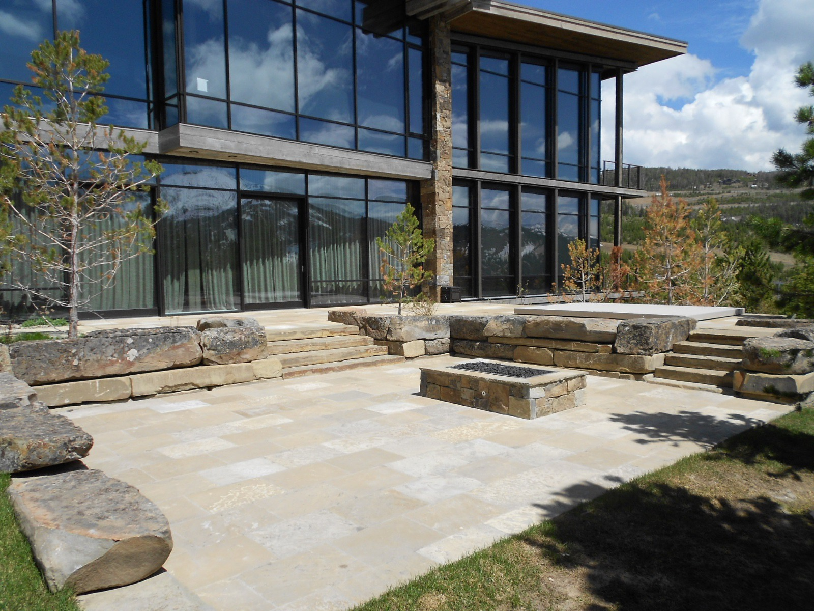 Contemporary Fire Pit Patio